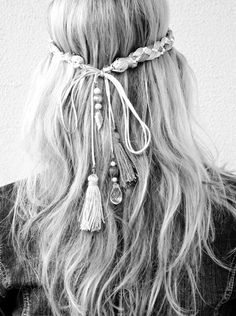 Think ribbon then flowers at the end instead of tassels. This is really pretty for summer (kinda hippie too)