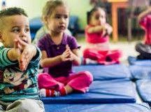 Creche municipal tem Yoga e massagem para crianças na zona norte de SP