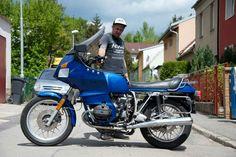 "BMW R100 ""BLACK DIAMOND"" #caferacer #caferacergram #bmw #blackdiamond #motorbiker #moto #motorbike #motor #motorcycle #ilovemyjob #builder #garagelife #rebuilding #motorka #motorkari #r100 #instagood #instapict #blue #new #boy #brno #czechboy #cap #outside #street #wheel #rider"
