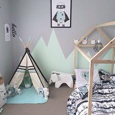 Inspiração para cafofos! Cinza com verdinho nas paredes! 😍😍😍 Cama- casinha e cabaninha são sempre bem vindos! E as roupas de cama você encontra aqui: www.mooui.com.br