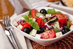 Traditional Greek Salad with Grecian Harvest Organic Olive oil Caprese Salad, Cobb Salad, Traditional Greek Salad, New Menu, Cafe Restaurant, Mediterranean Diet, Quick Easy Meals, Vegan Recipes, Food And Drink