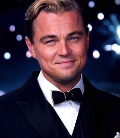 "This film publicity image released by Warner Bros. Pictures shows Leonardo DiCaprio as Jay Gatsby in a scene from ""The Great Gatsby. Jay Gatsby, Gatsby Style, Baz Luhrmann, Joel Edgerton, Isla Fisher, Scott Fitzgerald, Ganhadores Do Oscar, The Great Gatsby Movie, Leonardo Dicaprio Movies"