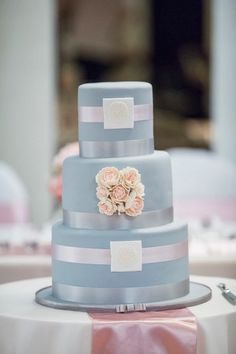Photo: Noble Photography; 38 Flower Adorned Wedding Cakes for A Spring Soirée. To see more: http://www.modwedding.com/2014/03/31/38-flower-adorned-wedding-cakes-for-a-spring-wedding/ #wedding #weddings #cake #dessert