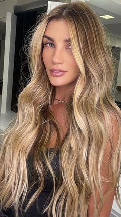 Beachy Blonde Hair, Blonde Hair Shades, Brown Hair With Blonde Highlights, Golden Blonde Hair, Honey Blonde Hair, Blonde Hair Looks, Balayage Hair Blonde, Blonde Brunette Hair, Balayage Hair Dark Blonde