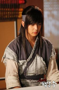 Yoo Seung Ho / 유승호 just started watching this