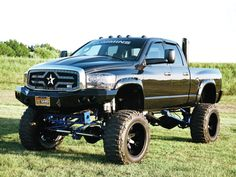 2008 #DodgeRam 2500: Exactly Right - Tanner Brown Kept Changing His Dodge Till He Was Satisfied - See More Pictures Here: http://www.8-lug.com/features/dodge/1303_8l_2008_dodge_ram_2500_exactly_right/