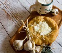 1211 Hungarian Recipes, Street Food, Pesto, Camembert Cheese, Recipies, Easy Meals, Dairy, Bread, Vegan