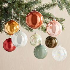 Modern Christmas Ornaments, Modern Christmas Decor, Christmas Diy, Christmas Decorations, Bohemian Christmas, Yard Decorations, Merry Christmas, Holiday Decorating, Glass Christmas Balls