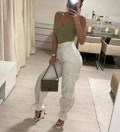 Lounge Outfit, Grown Women, Night Looks, Aesthetic Clothes, Going Out, Comfy, Party Outfits, Instagram, Pants