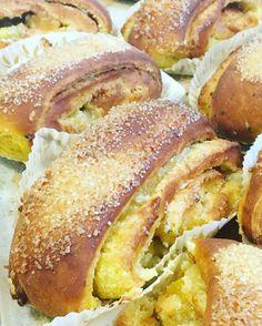 Saffransgifflar med mandelsmörkräm. #sockermajas #bakery #torslanda #