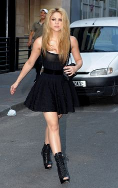 #Shakira : Black dress with lace up shoes.  Can you say drop dead gorgeous?!  Shop #DMLooks at DivaMall.tv