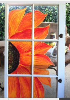 Orange and red sunflower painted window pane pane ideas sunflower Old Window Art, Window Pane Art, Old Window Frames, Window Ideas, Window Mural, Painted Window Panes, Window Paint, Painted Screens, Old Window Projects