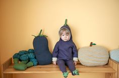Darling Eggplant Hoodie from @oeufnyc. Super-cute toddler clothes!