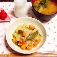 肉じゃが、お肉は全部旦那のお皿に入れた(*≧▽≦)ノシ)) 野菜みそ汁 - 42件のもぐもぐ - 夕飯ヾ(。・ω・。) by lilianhuang
