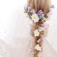 *人気No.1*アンティークパープルとホワイトのヘッドドレス♡ Cute Hairstyles, Wedding Hairstyles, Flora Bridal, Hair Arrange, Hair Vine, Hair Ornaments, Flowers In Hair, Wedding Makeup, Bridal Hair