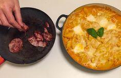 Cochiglioni al forno met de smeuïge pompoensaus en geitenkaas