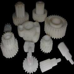 Çok hassas özel plastik dişli imalatları...