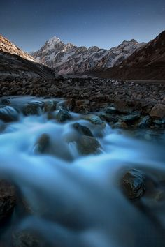 Mount Cook by Moonlight by Kah Kit Yoong, via 500px; New Zealand