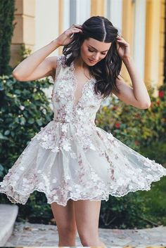 A-Line V-Neck Homecoming Dress,Appliqued Mini Dress,Sleeveless Short Tulle Homecoming Dress with Appliques,Cute Short Prom Dress
