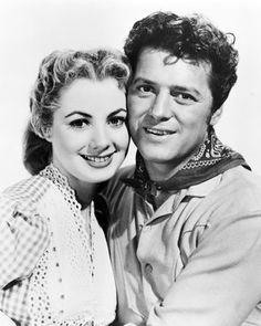 """Shirley Jones & Gordon MacRae in """"Oklahoma"""" Hollywood Icons, Golden Age Of Hollywood, Classic Hollywood, Old Hollywood, Hollywood Stars, Classic Jazz, Classic Movies, Actors Male, Actors & Actresses"""