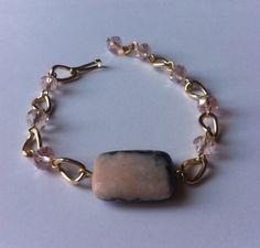 Pulsera rosa con gris de mineral y cristal tipo swarovsky con dorado by BeOriginal Mineral Bracelet