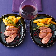 Duck breast 80 ° with pomegranate red wine sauce - lecker - Sauce Recipes, Chicken Recipes, Carne, Grenade, Fabulous Foods, Soul Food, Tofu, Food Inspiration, Food Porn