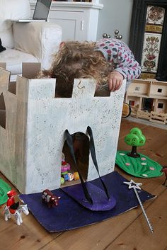 DIY: Castle Story Box - Georgia's next project! Cardboard Castle, Cardboard Crafts, Cardboard Boxes, Cardboard Playhouse, Cardboard Furniture, Fairy Tale Theme, Fairy Tales, Activities For Kids, Crafts For Kids