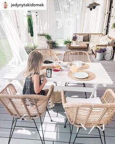Bring a pure attraction to your patio or balcony with this bistro set. Outdoor Tables And Chairs, Garden Table And Chairs, Side Chairs, Garden Dining Set, Patio Dining, Dining Room, 3 Piece Bistro Set, Balkon Design, Backyard Patio Designs