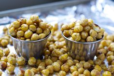 Ranch Roasted Chickpeas - Definitely gonna try. So much better than the usual snacks i tend to eat! Chickpea Recipes, Vegetable Recipes, Vegetarian Recipes, Healthy Recipes, Diabetic Recipes, Delicious Recipes, Healthy Cooking, Healthy Snacks, Healthy Eating