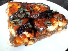 TARTE AUX AUBERGINES Sauce Tomate, Pork, Beef, Chicken, Fruit Tart, Parchment Paper Baking, Eggplants, Cooking Food, Kale Stir Fry