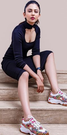 Latest Images of Hot rakul preet singh hd photos in saree and sexy rakul preet singh hd mobile wallpapers for android / iphone Hot Images Of Actress, Indian Bollywood Actress, Bollywood Actress Hot Photos, Indian Actress Hot Pics, Bollywood Girls, Beautiful Bollywood Actress, South Indian Actress, Indian Actresses, South Actress