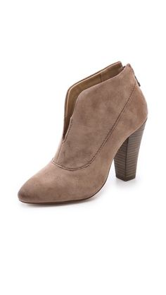 Phyllis Ankle Booties / Steven