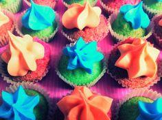 Kunterbunte Mini-Cupcakes
