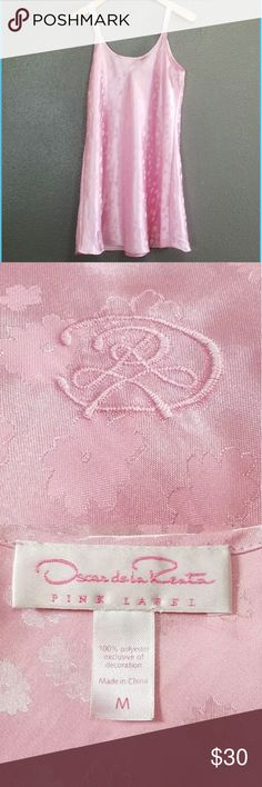 "Oscar De La Renta Pink Label Oscar De La Renta Pink Label Floral slip dress M Nightgown PJ Pajama Sleep Night  Flat lay Measurements Unstretched Underarm to underarm: 19"" Length: 34""  From a clean, smoke & pet free home Oscar de la Renta Intimates & Sleepwear Chemises & Slips"