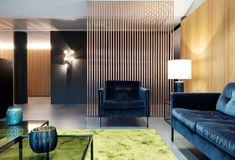 LP15 Wartebereich Waiting Room Furniture, Waiting Rooms, Blue Armchair, Velvet Armchair, Office Entrance, Copper Tubing, Green Carpet, Modern Room, Interior Design