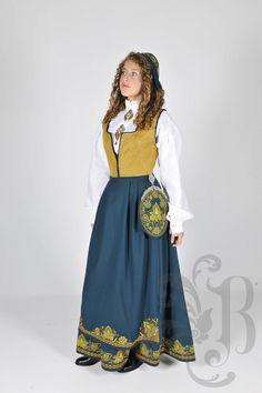 Romeriksbunad L55 Norwegian Clothing, Folk Clothing, Ethnic Fashion, Norway, That Look, Bohemian, Culture, Costumes, Traditional