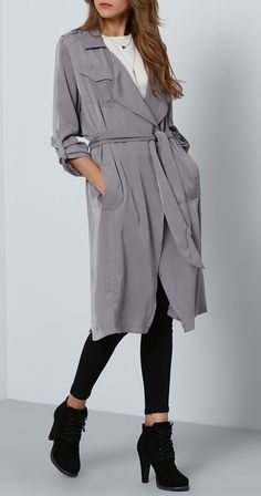 Grey long sleeve lapel pockets trench coat. Perfect for when the temperature dips down a bit.