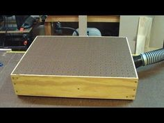 Down draft table. Making a Bench Top Sander Table (woodlogger.com)