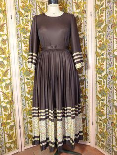 Long brown and liberty flower print jersey dress - pleated maxi skirt + bell sleeves - French 70s vintage