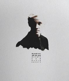 Find images and videos about harry potter, hogwarts and draco malfoy on We Heart It - the app to get lost in what you love. Draco Harry Potter, Harry Potter Universal, Harry Potter World, Harry Potter Characters, Movie Characters, Draco Malfoy Aesthetic, Slytherin Aesthetic, Slytherin And Hufflepuff, Hogwarts