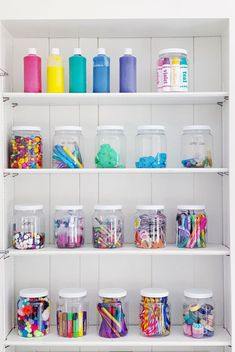 Use Clear Jars for Storage Apothecary jars or other clear jars make excellent storage solutions for small objects like pens, pencils, buttons, and other must-haves. They also double as decor, adding instant color and excitement to any space. Diy Stationery Organizer, Peg Board Walls, Art Supplies Storage, Craft Supplies, Office Supplies, Small Craft Rooms, I Heart Organizing, Diy Rangement, Vintage Bottles