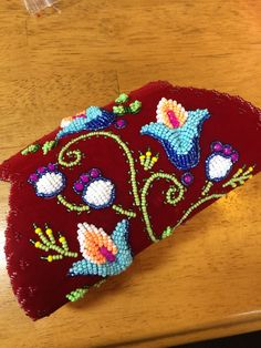 Barrel purse Iroquois raised bead work by Mary Jacobs