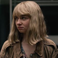 the end of the f***ing world — jimshoppcr: what if someone saw us? Matching Pfp, Matching Icons, The End, End Of The World, James And Alyssa, Jessica Barden, Audrey Hepburn Photos, World Icon, Human Icon