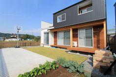 バスケットボールが出来る庭と部屋にもバスケゴールを配置したカッコイイ家(美濃加茂市・E様邸)