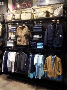 Merchandising - Merchandising - Ideas of Merchandising - Merchandising Source by store design Clothing Store Interior, Clothing Store Displays, Clothing Store Design, Boutique Interior, A Boutique, Visual Merchandising Fashion, Retail Merchandising, Merchandising Ideas, Retail Wall Displays