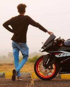 Image may contain: one or more people and outdoor Cute Boy Photo, Photo Poses For Boy, Boy Poses, Male Poses, Mens Photoshoot Poses, Bike Photoshoot, Biker Photography, Portrait Photography Poses, Best Poses For Men