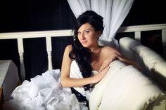 Long bridal locks and side bangs #hot #sexy #hairstyles #hairstyle #hair #long #short #buns #updo #braids #bang #blond #wedding #style #haircut #bridal #curly #bride #celebrity #black #white #trend #bob #girl #pantyhose #stockings #bikini #legs