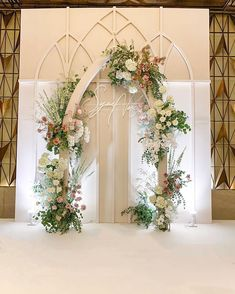 Create a white space as your background and custom aesthetic wedding backdrops in a white arbor. Add greenery and various flowers to make your wedding backdrop more lively. Wedding Stage Backdrop, Wedding Backdrop Design, Wedding Stage Decorations, Wedding Mandap, Wedding Wall, Wedding Props, Backdrop Decorations, Wedding Centerpieces, Flowers Decoration