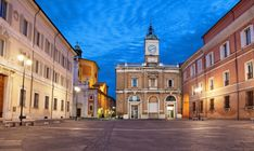 The best website that covers everything you need to know before traveling to Ravenna italy. Full tourists guides and recommandations,Plan your trip! Italian Courtyard, Ravenna Italy, Plan Your Trip, South America, Big Ben, The Good Place, Europe, Mansions, House Styles