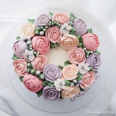 Korean Buttercream flower Cake #thesweetspot https://www.facebook.com/thesweetspot.com.my/